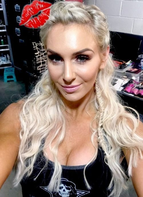 Charlotte Flair Hairstyle Pictures