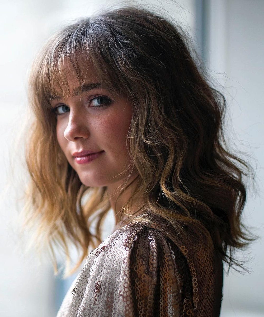 Haley Lu Richardson Hairstyle Pictures