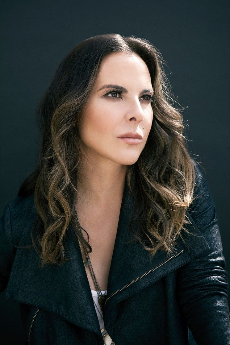 Kate Del Castillo Hairstyle Pictures