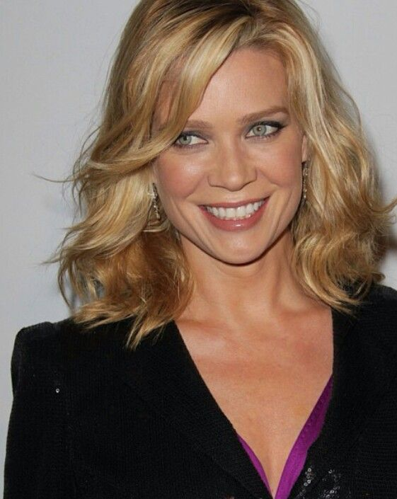 Laurie Holden Hairstyle Pictures