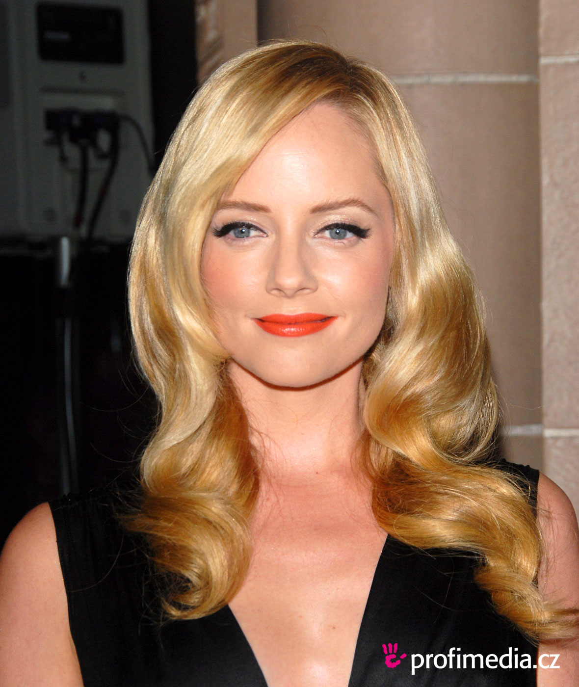 Marley Shelton Hairstyle Pictures